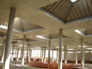 Gewerbebauten_200611TE_QTU2-SC Tirana Extension-Innenraum Lichtkuppeln