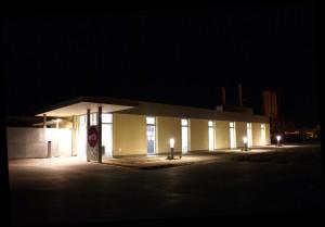 Sonderbauten_200910TK-Tierkrematorium- Eingangsbreich Außen bei Nacht